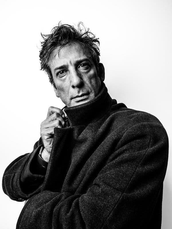 Neil Gaiman, premiado autor de quadrinhos como Sandman e novelas como American Gods, The Graveyard Book, Coraline e outros.