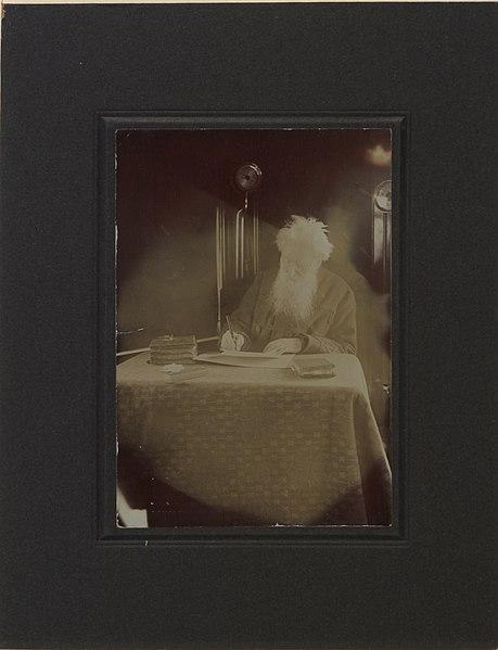 Booth escrevendo, 1910.