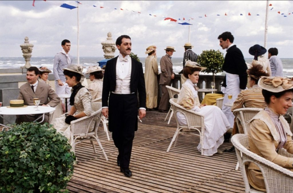 Proust na versão para o cinema de Raúl Ruiz, O tempo redescoberto (Le temps retrouvé, 1999).